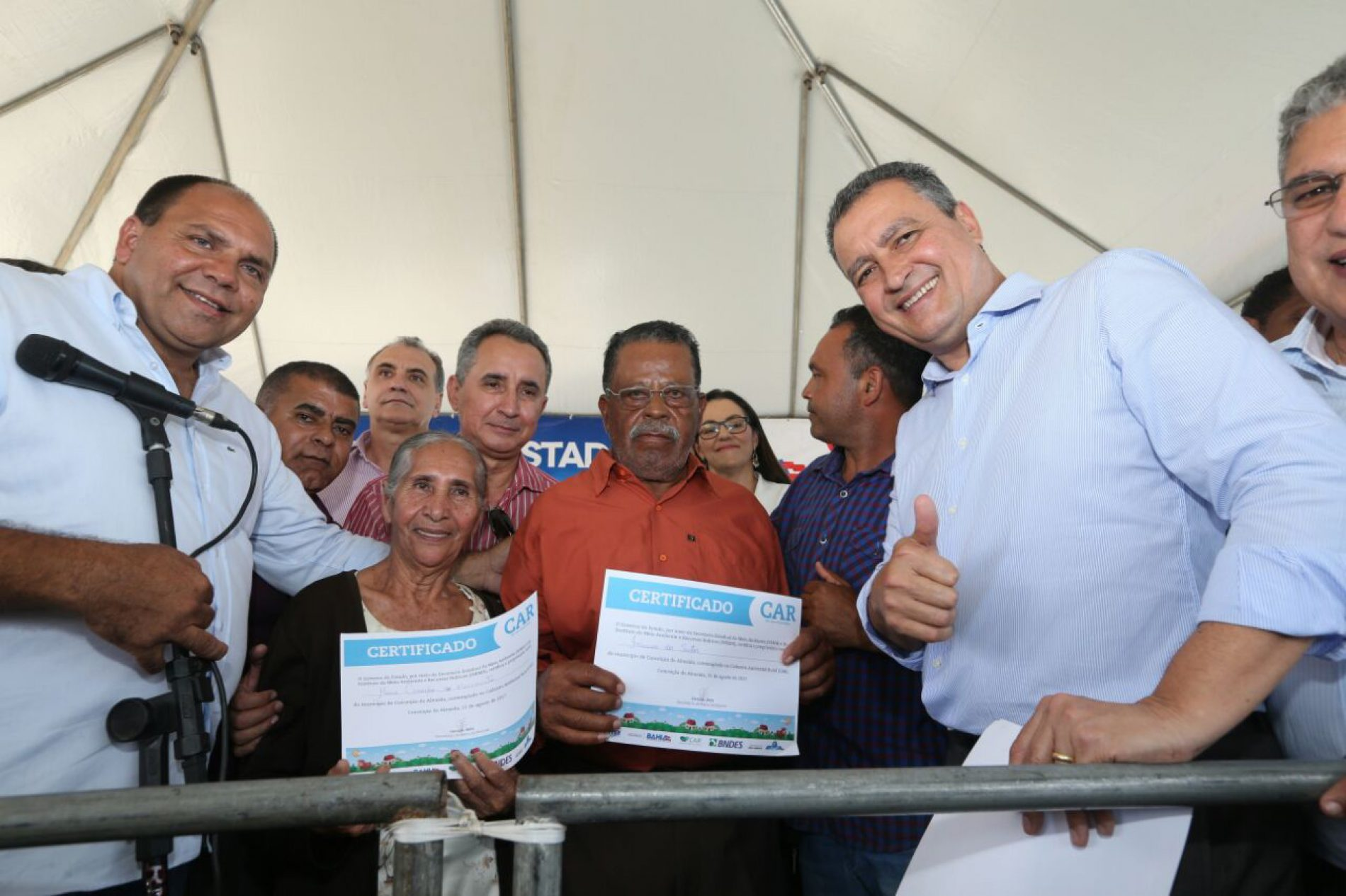 Em Conceição do Almeida, Rui entrega mais de mil certificados a agricultores e participa de inaugurações na área da saúde