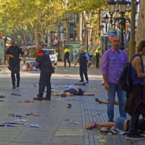 Estado Islâmico reivindica ataque com uma 'van' em Barcelona