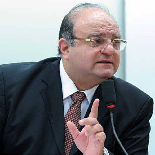 Vaccarezza diz à PF que 'milhares de pessoas' já lhe ofereceram dinheiro