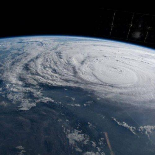 Furacão Harvey é assustador; milhares no Texas fogem