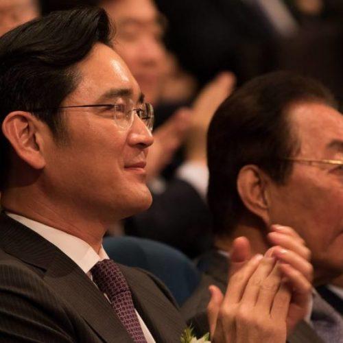 Herdeiro da Samsung é condenado a cinco anos de prisão