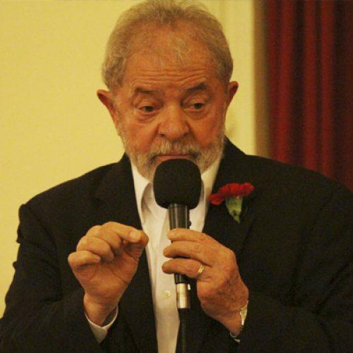 """""""Não vou morrer antes de voltar a governar esse país"""", diz Lula"""