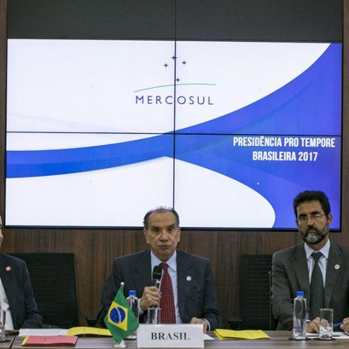 """Mercosul suspende Venezuela por """"ruptura da ordem democrática"""""""
