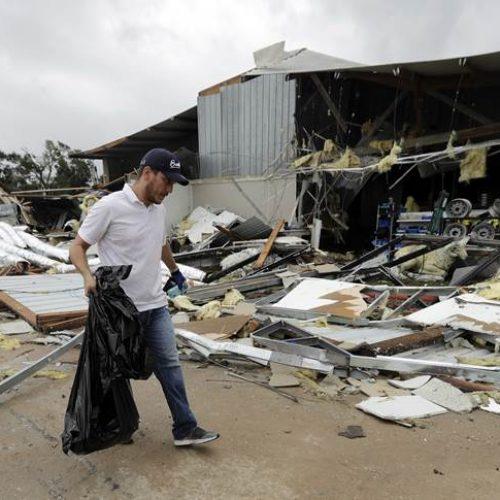 Casal e quatro bisnetos desaparecem em inundação causada por Harvey no Texas