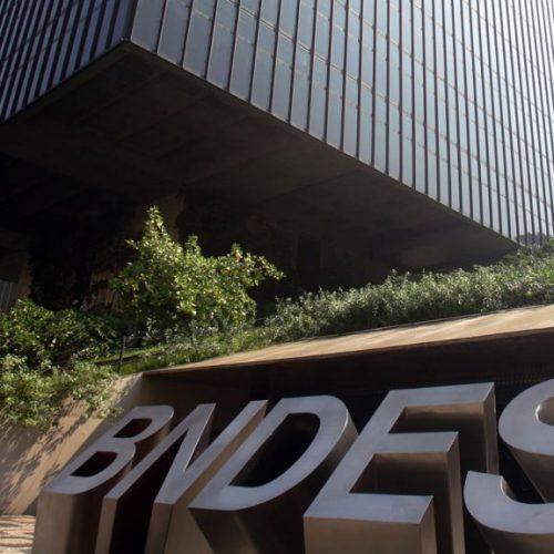 BNDES triplica crédito para pequena empresa