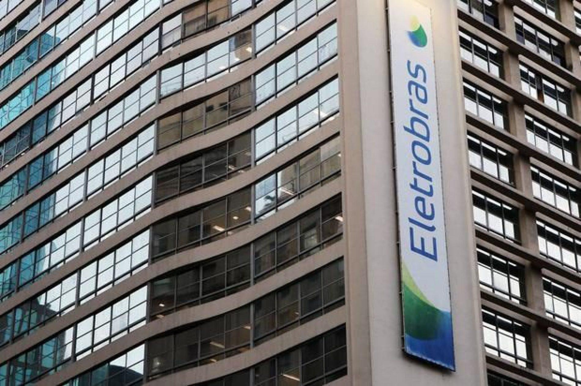 Venda de usinas da Eletrobras pode render menos de R$ 10 bilhões, diz ministro
