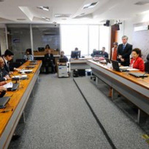 Senado aprova PEC que proíbe filiação partidária a membros da Justiça Eleitoral