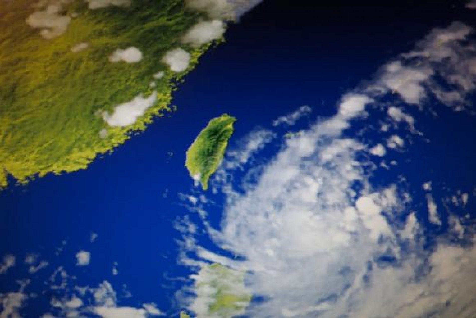 Tufão Hato deixa pelo menos 12 mortos em passagem pela China