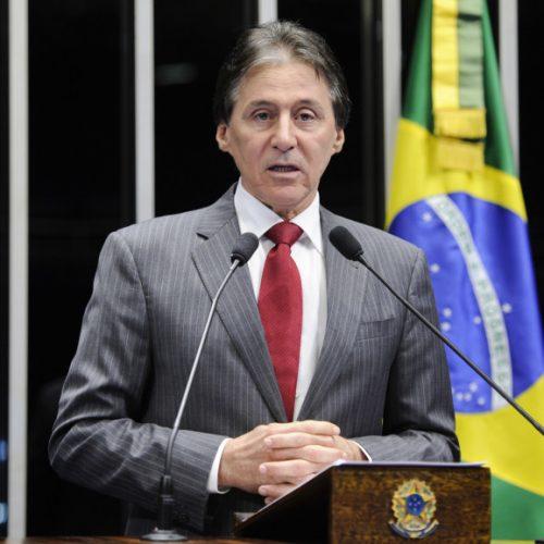 Eunício diz que papel do Senado não é negociar veto presidencial