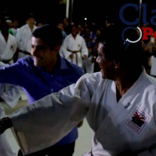 ACM Neto treina Karatê durante inauguração da Praça do Vale dos Rios; assista