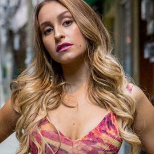 """Atriz Carla Diaz desabafa sobre desemprego: """"Fiquei com medo"""""""