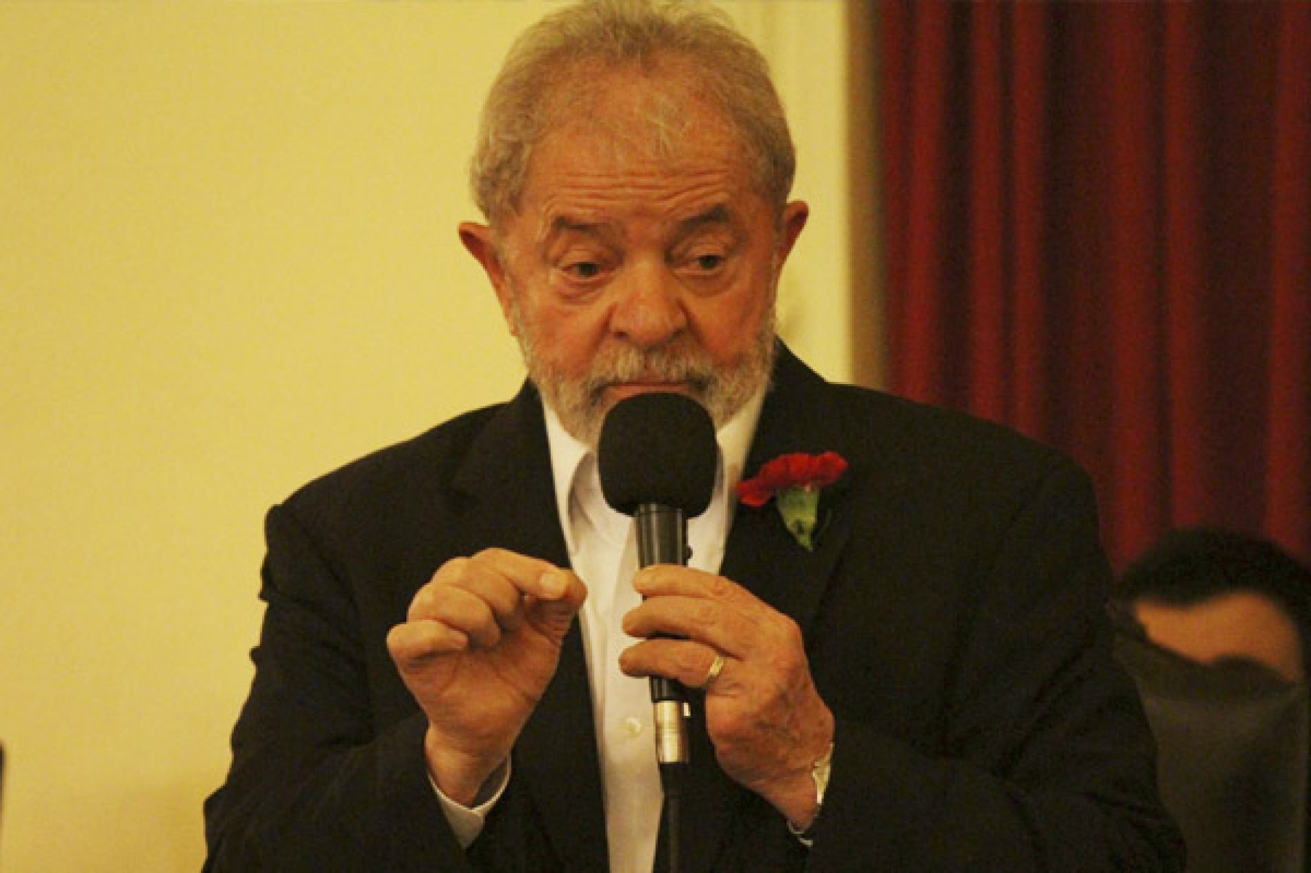 Defesa de Lula recorre na segunda instância de sentença no caso do triplex