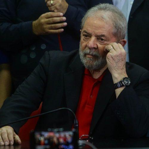 Empresário diz que assinou todos os recibos de Lula de uma só vez