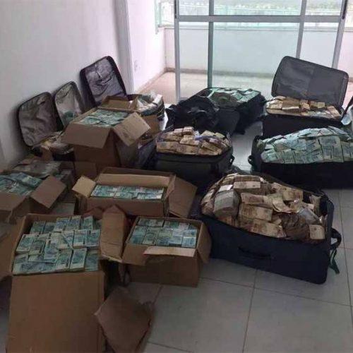 """PF acha digitais do ex-ministro Geddel no """"bunker"""" de R$ 51 milhões"""