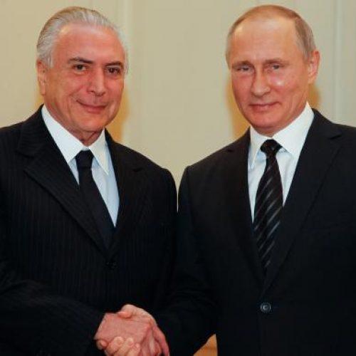 Putin se diz ansioso para desenvolver parcerias estratégicas com países do Brics