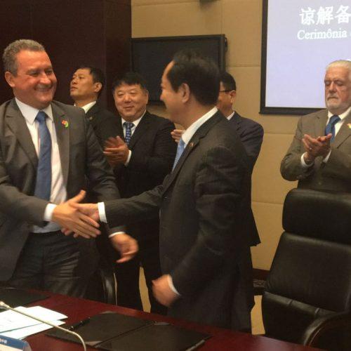Rui assina acordo com empresa chinesa para viabilizar Ponte Salvador-Itaparica