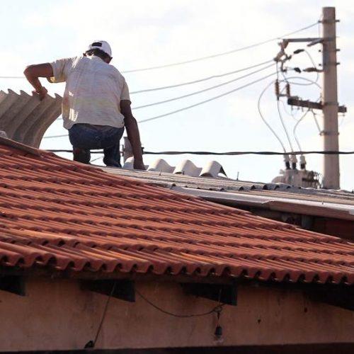 Setor de serviços têm primeira queda desde março, aponta IBGE