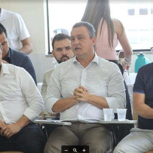 Rui discute consórcios em saúde e infraestrutura com 29 prefeitos baianos