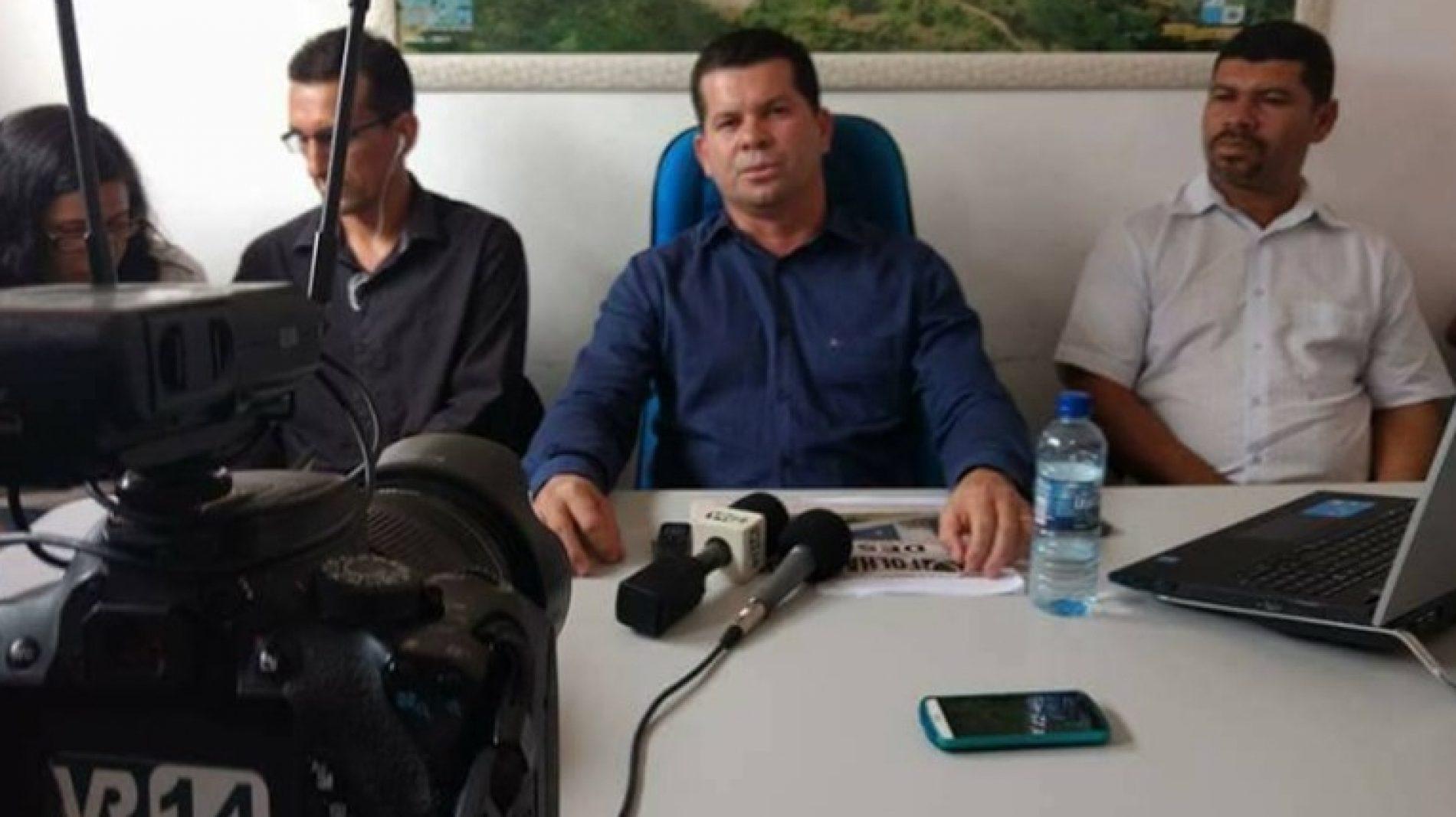 São José do São José do Jacuípe: Prefeito anuncia redução do próprio salário