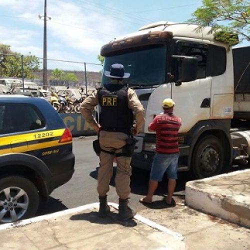 Barreiras: PRF flagra homem embriagado dirigindo caminhão com 36 toneladas de carga