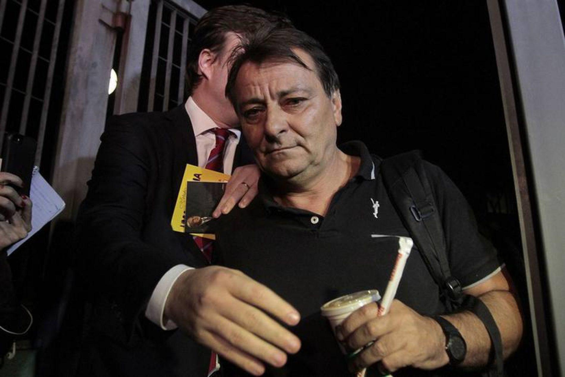 Cesare Battisti é intimado a colocar tornozeleira eletrônica
