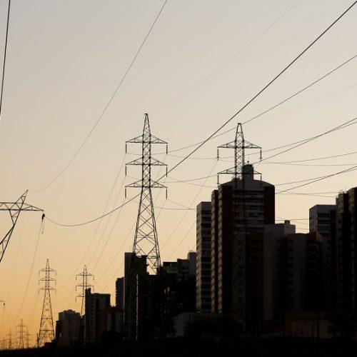 Conta de luz deve ficar mais cara com acionamento de usinas térmicas