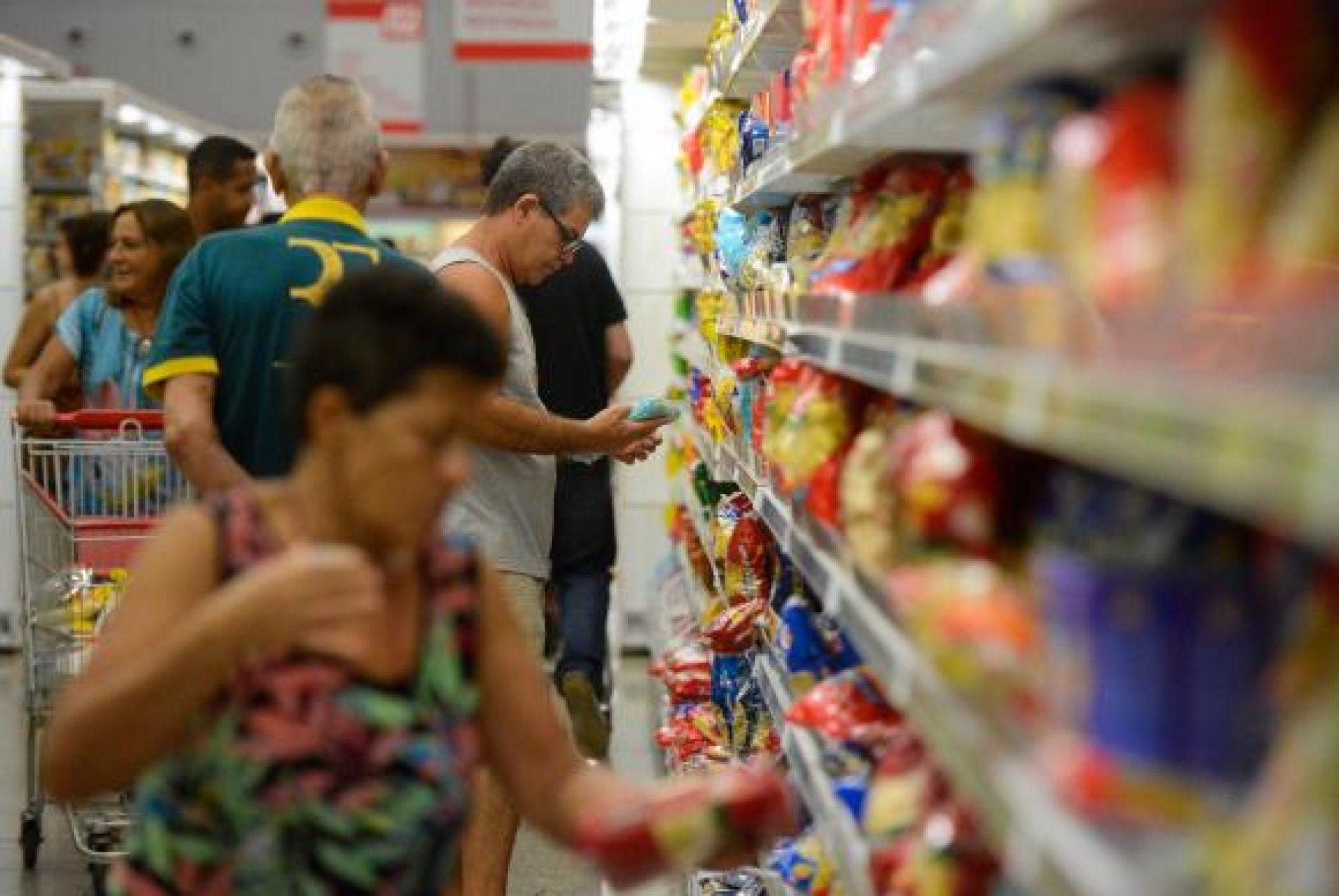 Custo da cesta básica cai em 20 capitais em setembro, segundo o Dieese