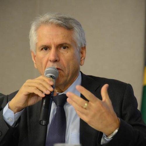 Governo adia demissão de presidente da Infraero