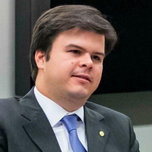 Liminar impede PSB de votar pela expulsão de deputados e ministro do partido