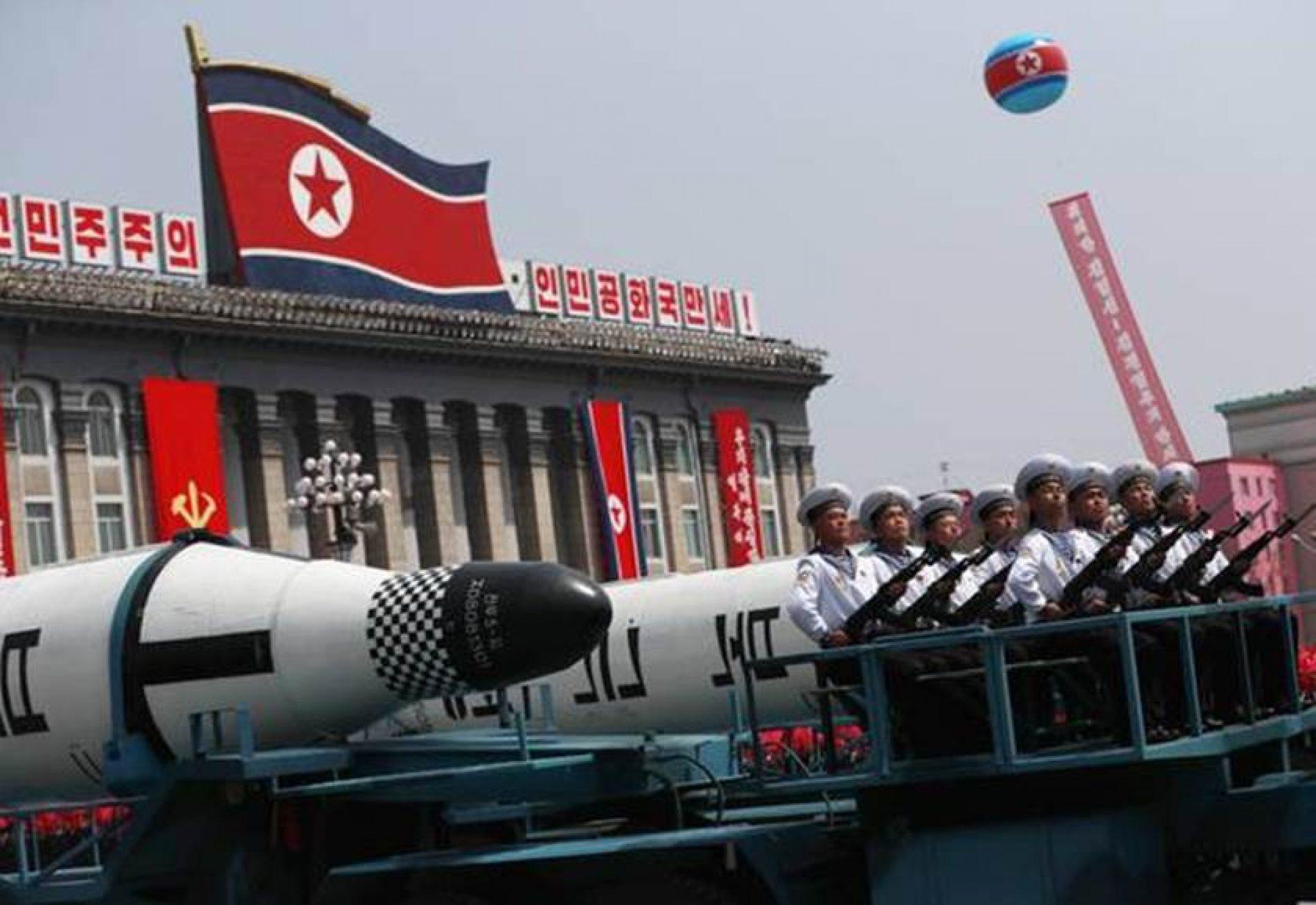 Míssil norte-coreano poderia atingir EUA, afirma Rússia