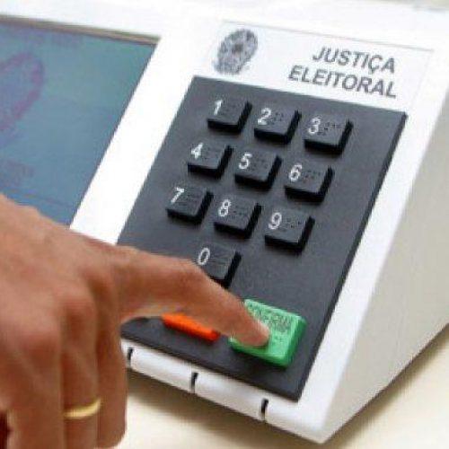 Oito em cada 10 brasileiros não seguem orientação religiosa ao votar