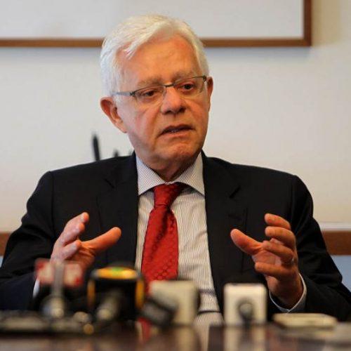 PGR pede arquivamento de denúncia contra Moreira Franco