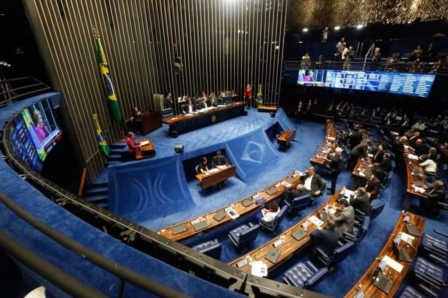 Senadores avaliam emenda para revisar ordens do STF