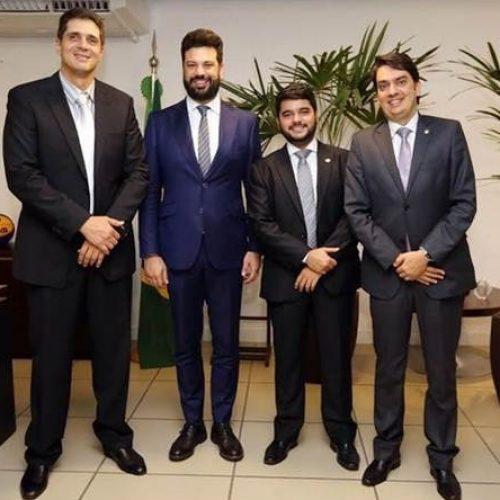 Pedro Tavares busca recursos para municípios baianos no Ministério dos Esportes