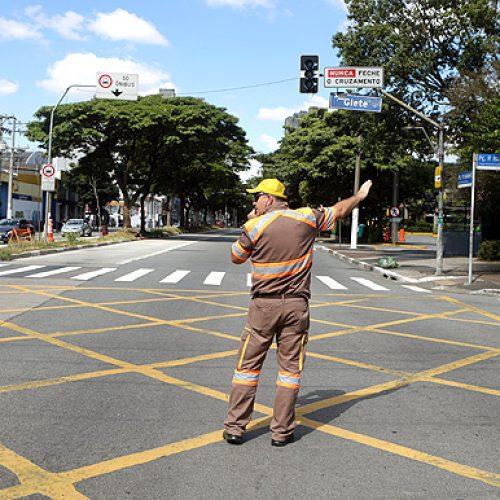 Temer veta uso de armas de fogo por agentes de trânsito