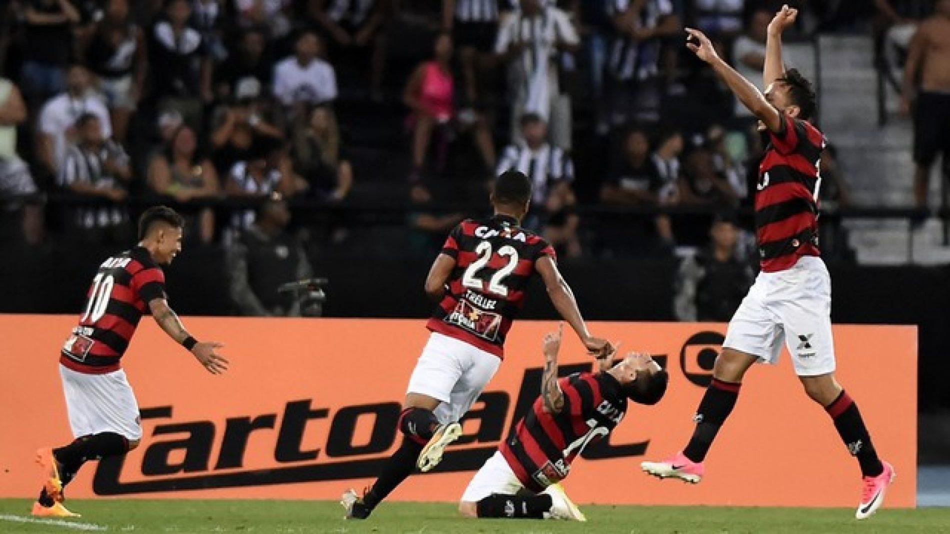 Vitória vira sobre o Botafogo no fim e chega ao quinto triunfo seguido como visitante