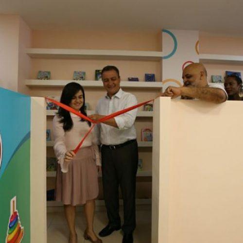 Voluntárias Sociais e governador entregam sede de instituição que atende crianças com HIV