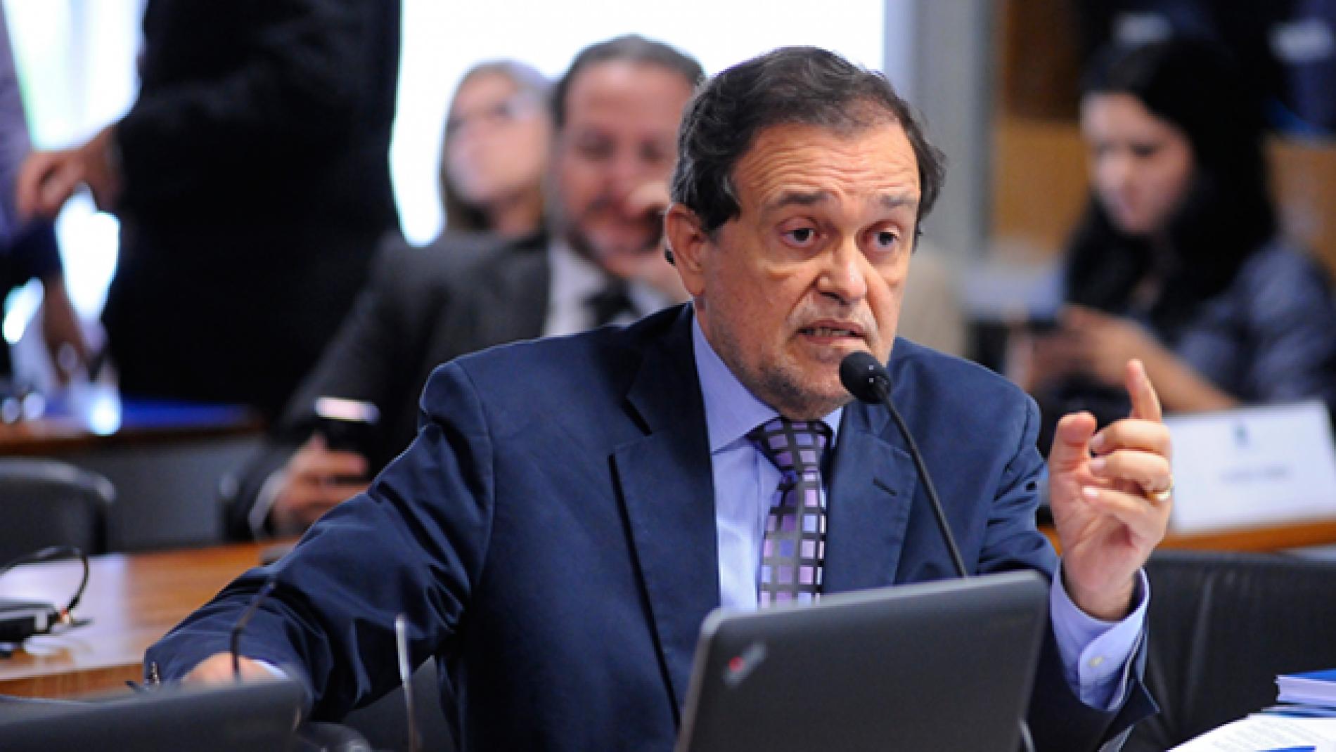 Walter Pinheiro é exonerado da SEC  e volta ao Senado para participar de votações