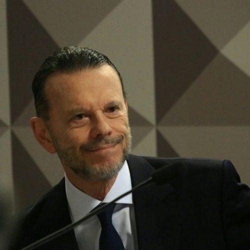 """Nunca houve """"pedido indevido"""" de Mantega, diz ex-presidente do BNDES"""