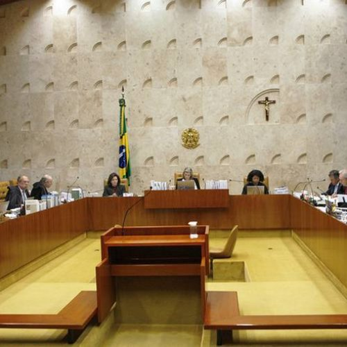 Diante de empate, 2ª Turma do STF adia decisão sobre denúncia contra senador