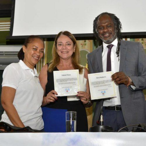 Deputada Fabíola Mansur é homenageada pelo Grupo Espírita Sementes de Amor