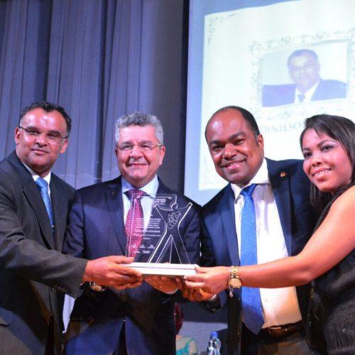 Deputado Samuel Júnior recebe Título de Cidadão Conquistense