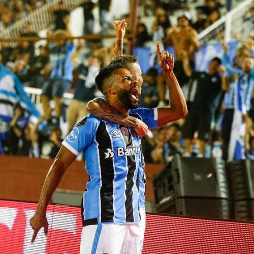 Grêmio bate o Lanus e se consagra tricampeão da Libertadores