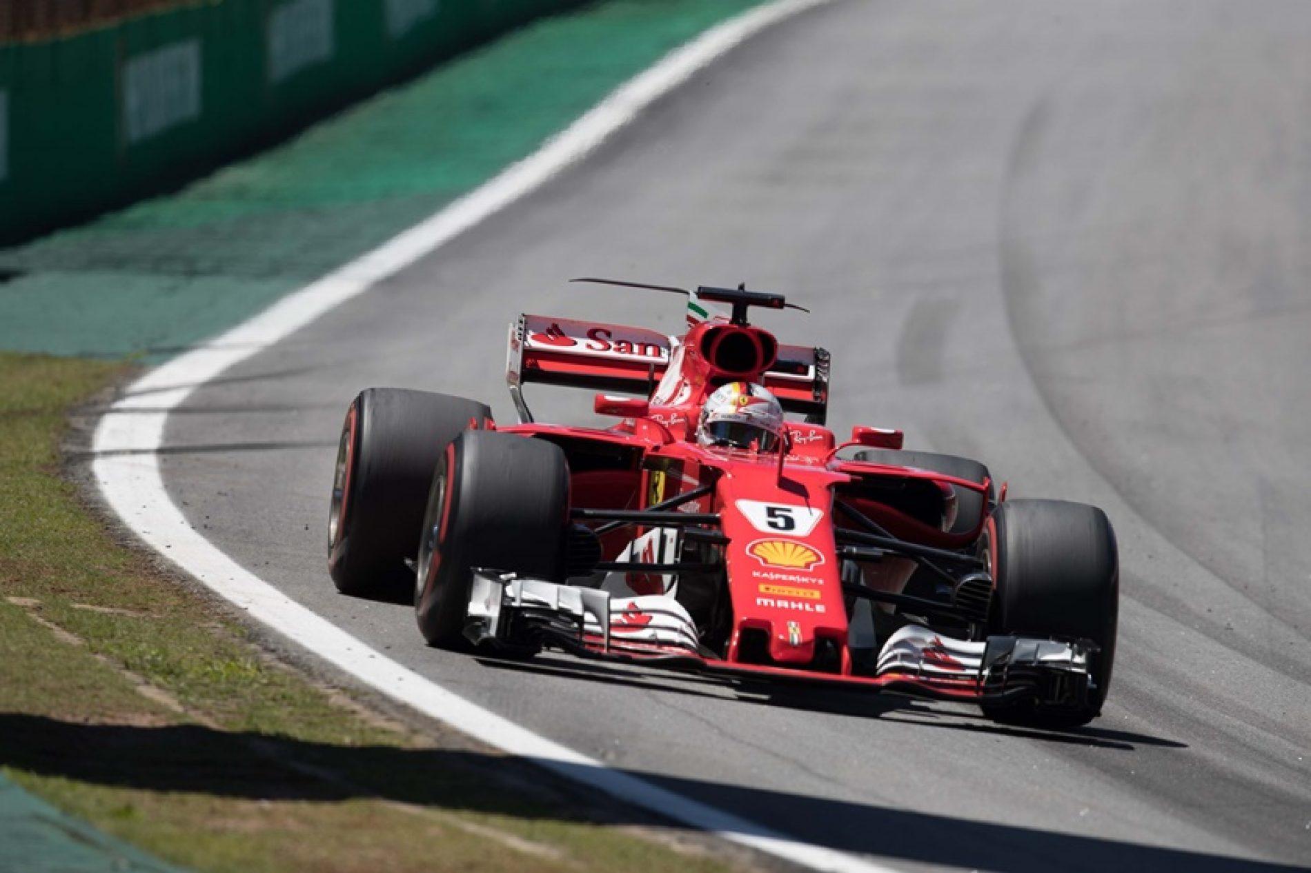 Hamilton brilha, mas Vettel vence o GP do Brasil