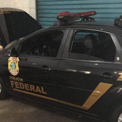 Polícia prende 4 pessoas com carros clonados da PF e Receita Federal