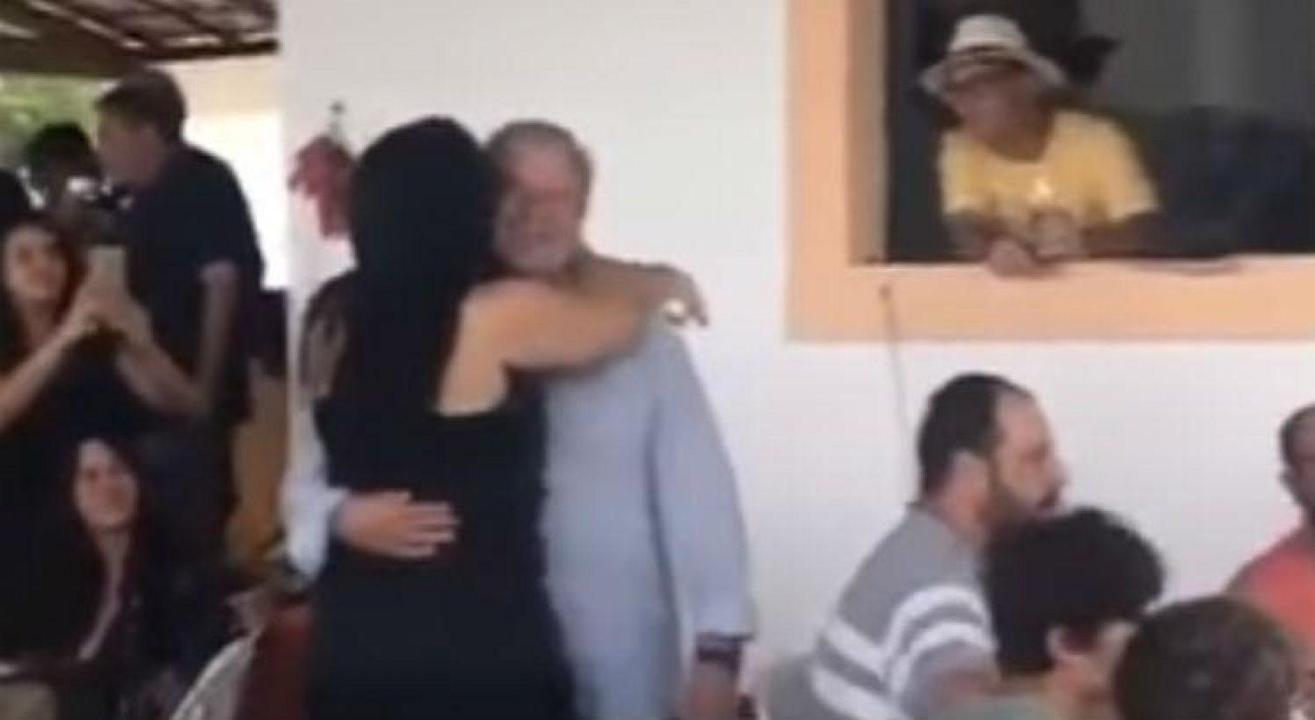 Vídeo mostra José Dirceu dançando em festa de aniversário de esposa;assista