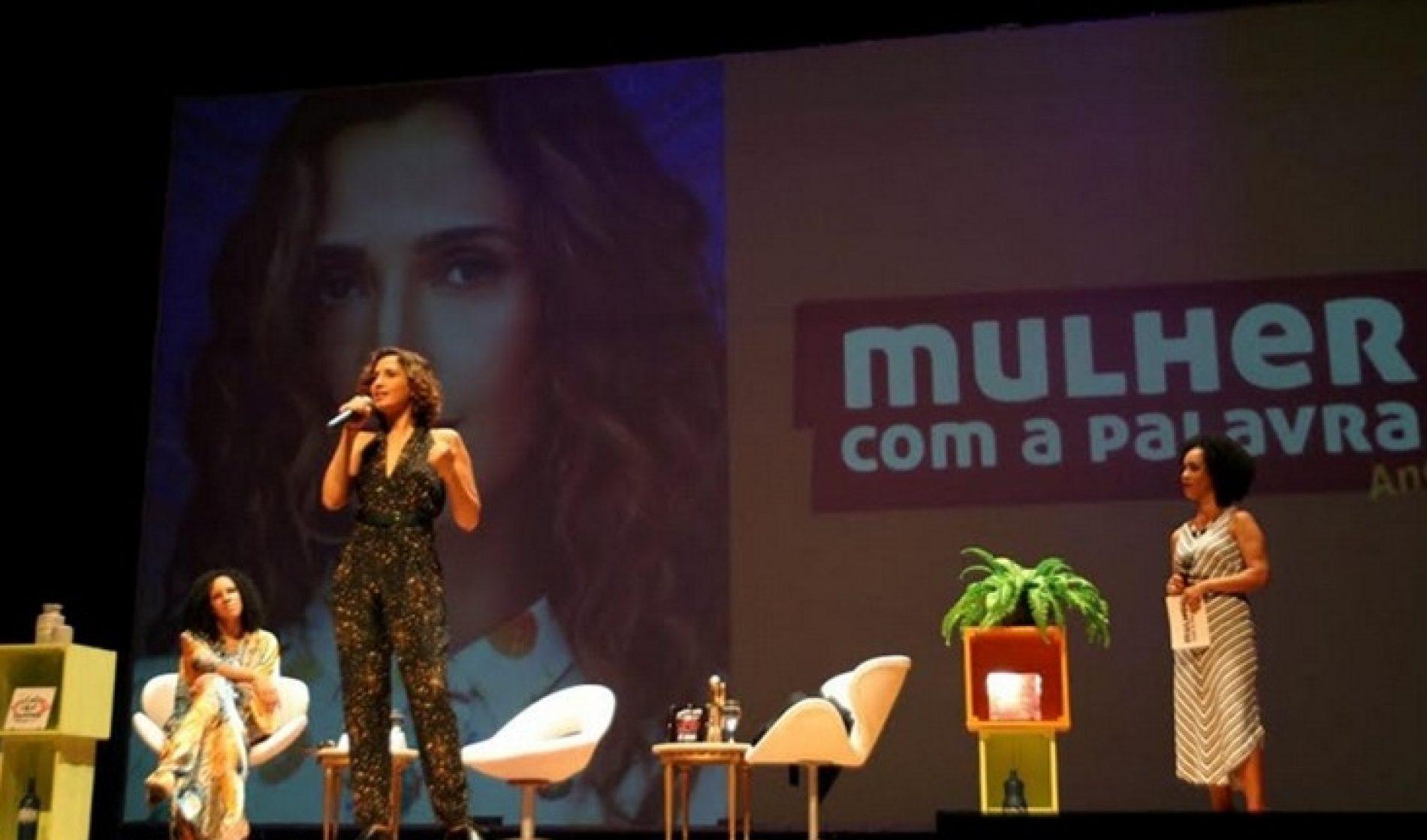 """Camila Pitanga fala sobre gênero e raça: """"Não vamos nos calar"""""""
