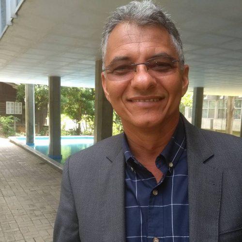 """Simões Filho: """"Pessoas mesquinhas torciam para que houvesse um homicídio na festa para manchar seu nome"""" diz Dinha"""