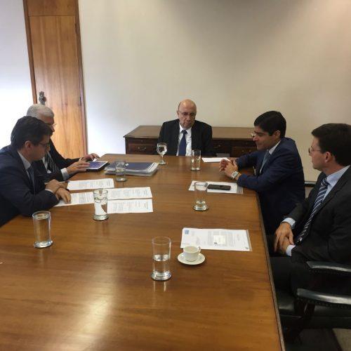 ACM Neto discute financiamento com ministro Henrique Meirelles