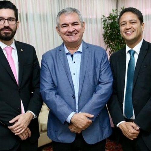 Angelo Coronel apoia projeto que interioriza e valoriza a Defensoria Pública